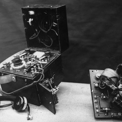 Zender-ontvanger voor draadloze telegrafie, 1916.