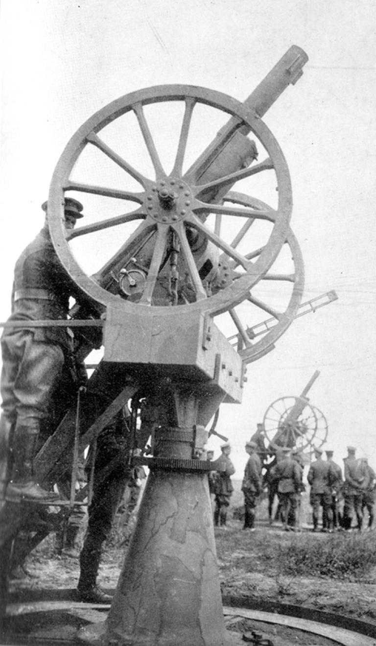 Schneider gun of type C75 used as an anti-aircraft gun