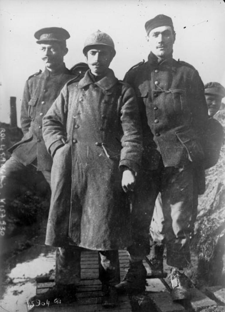Various uniforms during WW1